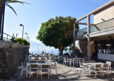 Terraza superior con vistas al Teide y el Norte de Tenerife desde la Sociedad Tagoro